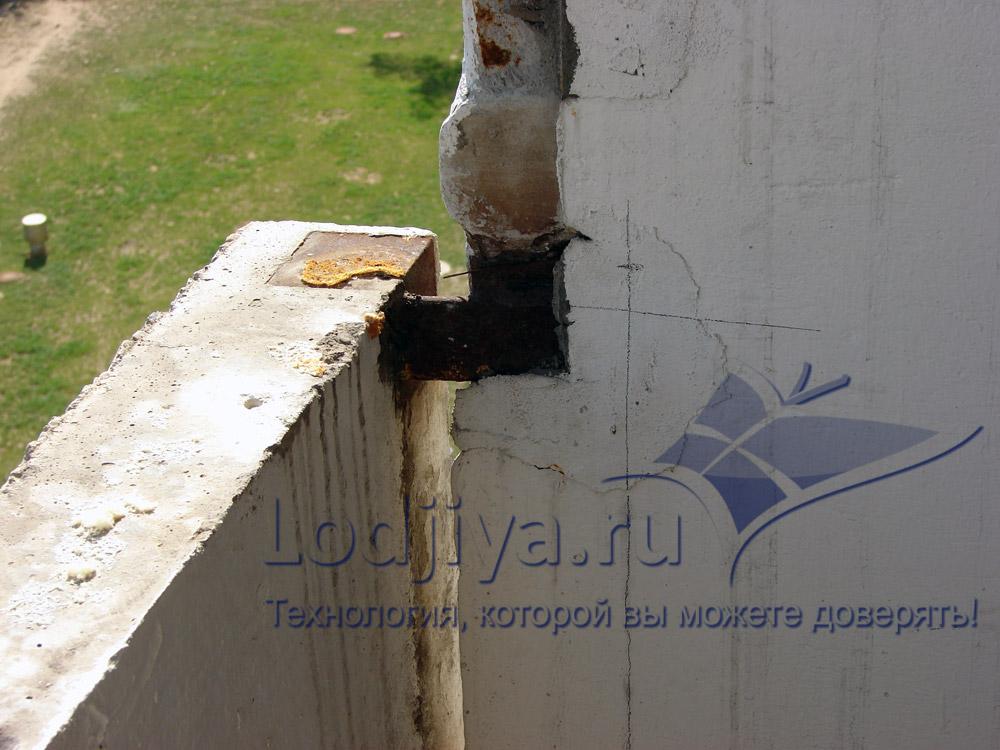 Чемвыкладывают лоджию под застиклинение. - ремонт окон двере.